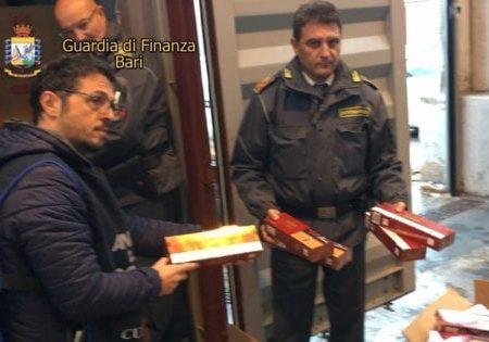 Bari, sequestrate nove tonnellate di sigarette di contrabbando appena sbarcate nel porto