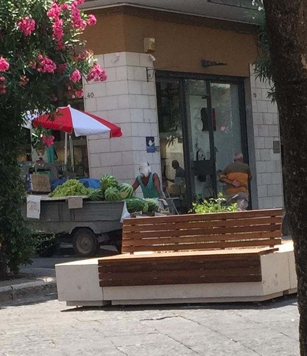 I venditori ambulanti di cocomeri fanno parte del nuovo for Nuovo arredo molfetta