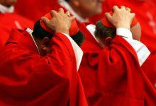 Così il Vaticano protegge i preti pedofili