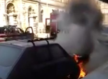Ancora auto bruciate