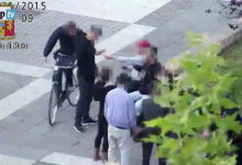 Foggia, spacciavano droga agli studenti nella piazza in pieno centro: 17 arrestati