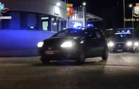 'Ndrangheta, assalto ai fondi Ue e all'affare migranti; 68 arresti. Coinvolti un sacerdote e il capo della Misericordia