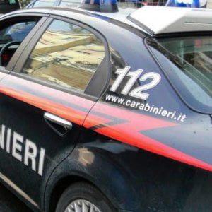 Foggia, agguato ad Apricena con fucile e kalashnikov: uccisi due pregiudicati di 43 e 54 anni