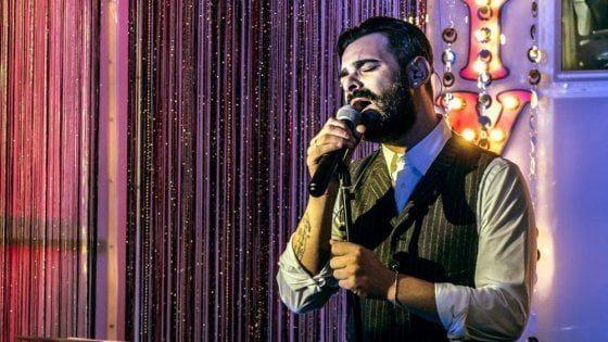 Tommy Parisi torna a Bari: il figlio del boss presenta il nuovo disco nel locale che fu confiscato