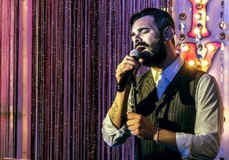 Bari, annullato in extremis lo show di Tommy Parisi: il figlio del boss sposta l'evento per il nuovo cd