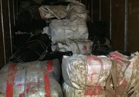 Brindisi, droga sul furgone dei traslochi dopo lo sbarco a Torre Guaceto: due arrestati