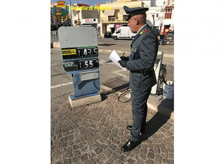 Controllati numerosi distributori di carburante dalla guardia di finanza