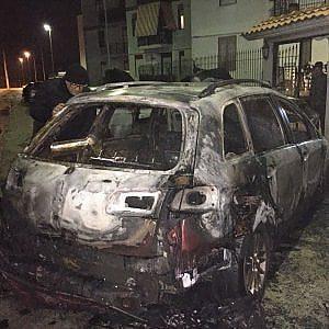 San Ferdinando di Puglia, bruciata l'auto del sindaco: è stato un attentato