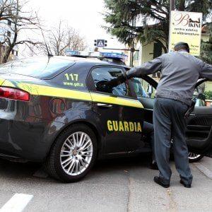 Foggia, al supermarket della droga lo spaccio era senza soste: arrestate otto persone