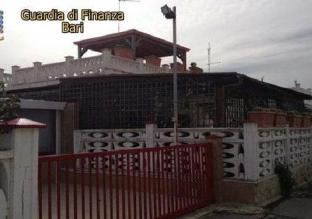 Bari, confiscato il tesoro del boss Savinuccio Parisi: allo Stato ville e cavalli per 1,2 milioni