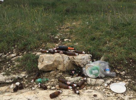 La spiaggia della Contrada Torre Rotonda è già una discarica abusiva di rifiuti