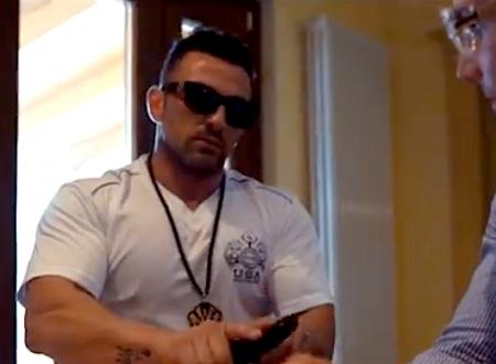 Mattinata, perquisizioni dopo il video del rapper con un pregiudicato che spara