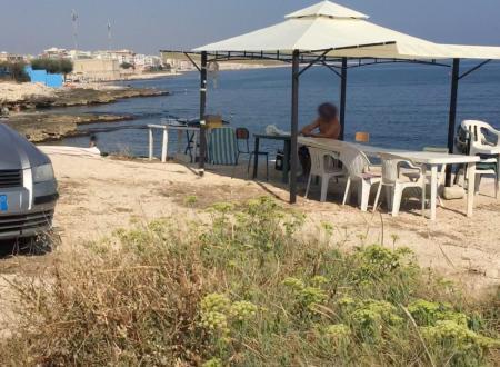 A Molfetta l'abusivismo non risparmia la spiaggia