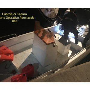 Lecce, 350 chili di marijuana nel doppiofondo del motoscafo: arrestato 41enne