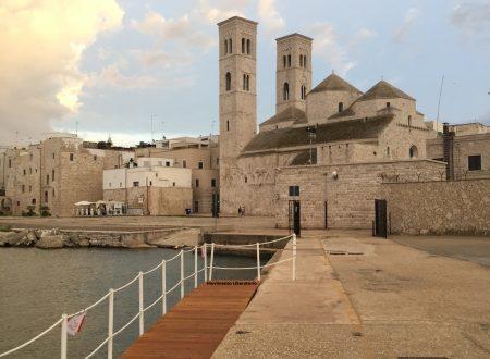 La pedana d'accesso a Cala Sant'Andrea, impacchettata e portata via