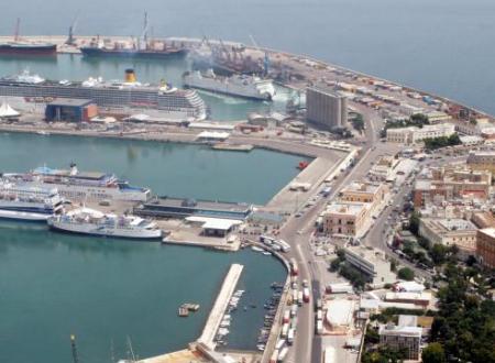 Bari, clan Capriati controllava il Porto: chieste condanne fino a 26 anni