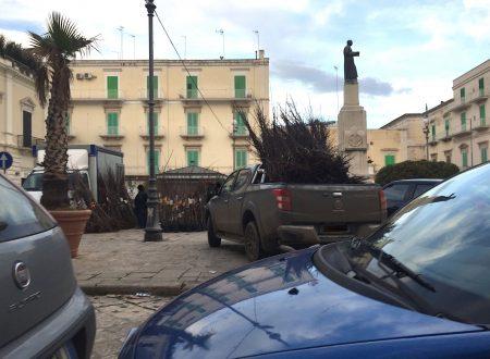 """L'inciviltà del """"mercato abusivo diffuso"""" occupa anche Piazza Cappuccini"""