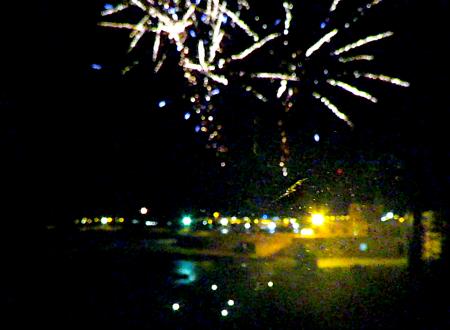 Nella stessa notte fuochi d'artificio e furto all'Euronics