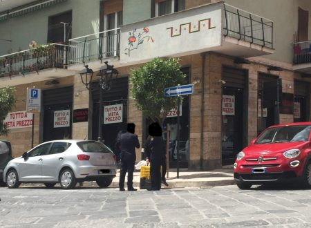 """Le signore delle """"ciliegie"""" tornano a Corso Umberto e noi chiediamo spiegazioni"""