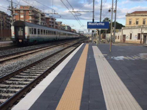Treni affollatissimi e proteste: in Puglia l'ira dei pendolari per il nuovo orario estivo