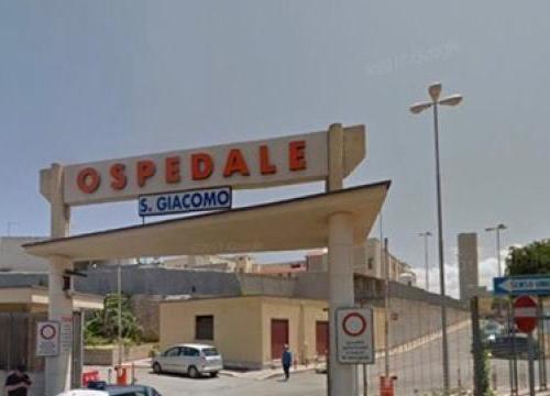 Monopoli, furbetti del cartellino in ospedale: 13 arresti e 30 indagati. Coinvolti 18 medici, tutti i nomi
