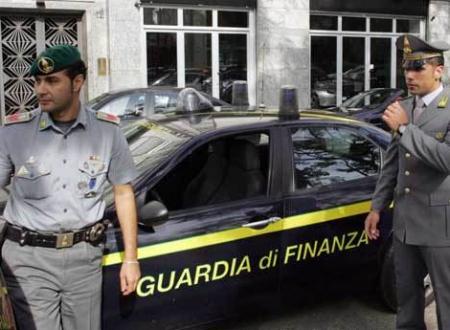 """Guardia di Finanza: """"Operazione Madrepietra"""" ad Apricena, agli arresti domiciliari il Sindaco"""