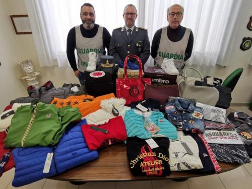 Contraffazione a Molfetta: come riconoscere i capi d'abbigliamento taroccati?
