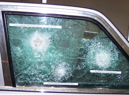 Estorsioni con colpi di pistola contro le auto di imprenditori molfettesi