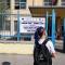 """Scuola, la linea dura della preside di Scampia: """"Il 13enne con le treccine blu resterà fuori dalla classe"""""""