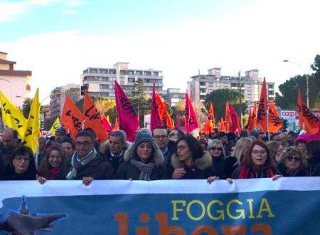 """Foggia, corteo di Libera con 20mila persone e 300 associazioni. Don Ciotti: """"Qui contro paura e indifferenza"""""""