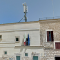 L'amministrazione comunale invece di smantellare l'antenna in piazza Catecombe, rinnova il contratto
