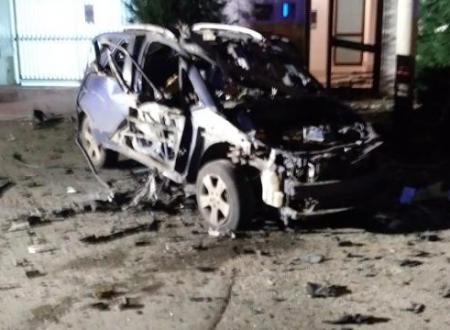 Ruvo, una bomba distrugge l'auto di un carabiniere