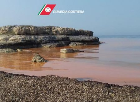 Alghe rosse in mare, Guardia costiera effettua campionamenti