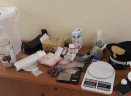 Molfetta, nascondeva marijuana e cocaina nel garage: arrestato