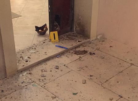 In una città senza memoria, le bombe lasciano il segno indelebile.