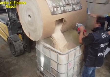 Salerno, sequestrati 84 milioni di pasticche di droga dell'Isis: le stesse usate dai terroristi del Bataclan