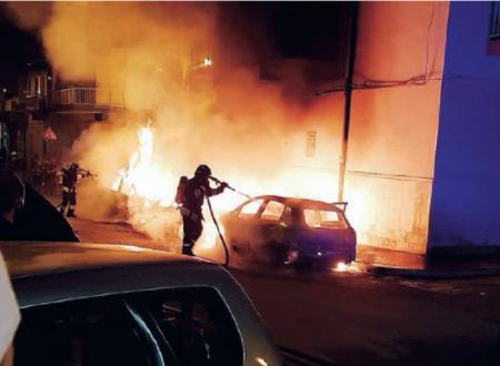 Tre automobili incendiate a Molfetta serata da incubo.