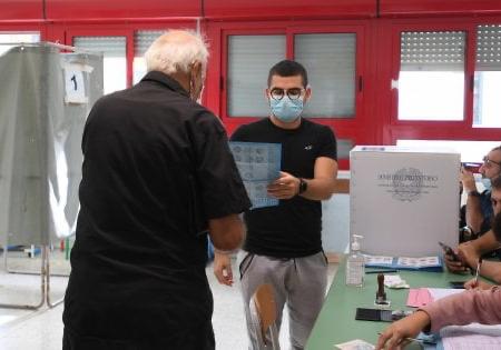 Venticinque euro per ogni voto, a Bari 50 indagati per corruzione elettorale: anche consigliere eletto