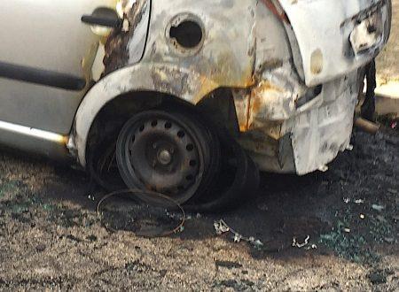 """Dopo la serata dei """"bombaroli"""", arriva la 28^ auto bruciata del 2020"""