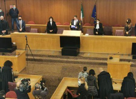 Fiumi di denaro per pilotare inchieste e sentenze: l'ex pm Nardi condannato a 16 anni.