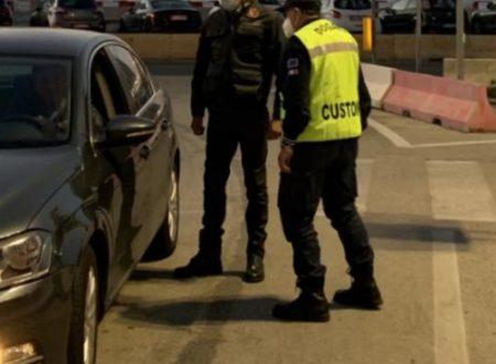 Traffico rifiuti: al porto di Bari sequestrati 24mila kg di abiti usati