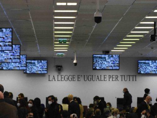 'Ndrangheta, nell'aula bunker di Lamezia Terme comincia il maxi processo Rinascita Scott