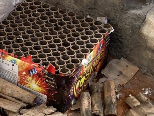 Ancora batterie di fuochi d'artificio nelle ore di coprifuoco