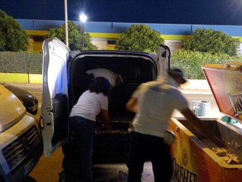 Controlli a tappeto sul litorale barese contro gli abusivi: sequestrati alimenti, frigoriferi e carrelli per il trasporto